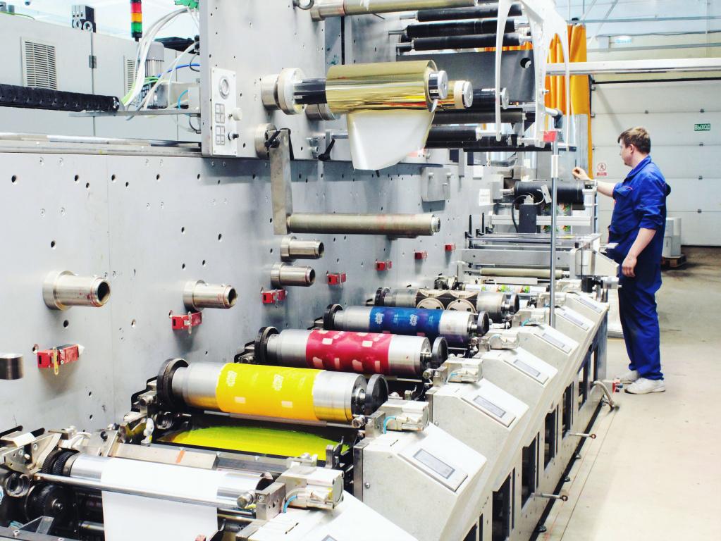 Флексомашина для печати самоклеящейся этикетки Bobst M3 Line в типографии Стрелец_VMG.jpg